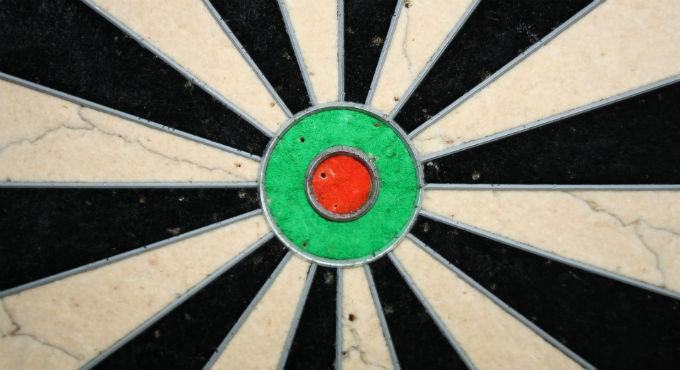 Lakeside nieuws darten. Waarom zijn er eigenlijk twee dartsbonden: de PDC en BDO?
